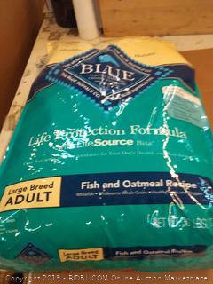 Blue Buffalo Life protection formula large breed adult dog food fish and oatmeal recipe