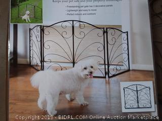 pet store arched metal scroll pet gate