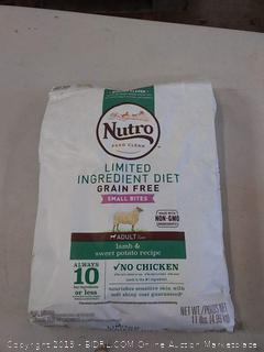 Nutro limited ingredient diet small bites adult dog food 11 pound bag