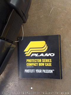 (Wall L)Plano protector series compact bow case