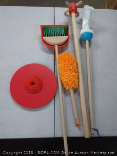 Melissa & Doug Cleaning Set: Clean,sweep, mop!