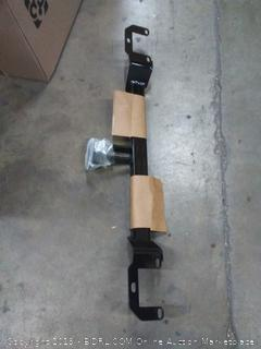 Curt trailer hitch( rack B row2)