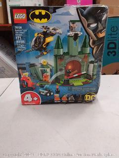 LEGO Super Heroes Batman and The Joker Escape 76138