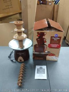 Wilton chocolate Pro fountain holds 4 lb(Powers on)
