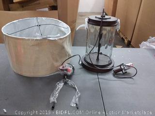 Ashley design 3-way lamp( lamp shade damage)