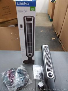 Lasko tower fan with remote control 36 inch Slim(Powers on)