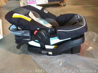 Graco SnugRide snuglock 30 infant car seats