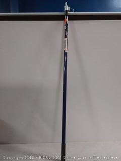 Dynamic twist lock extension pole