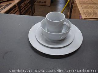 amazonbasics 16-piece dinnerware set 4 plates 4 saucer plates 4 bowls and 4 cups