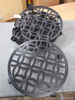 black pot holders 5 count (missing Wheels)