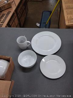 amazonbasics 16-piece dinnerware set 4 plates 4 saucer plates 4 bowls and 4 cups