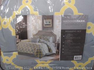 Madison Park Essentials bedding set 9 Piece full set
