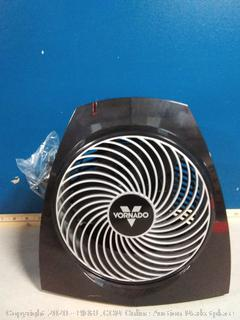 Vornado whole room heater(powers on/previously owned)