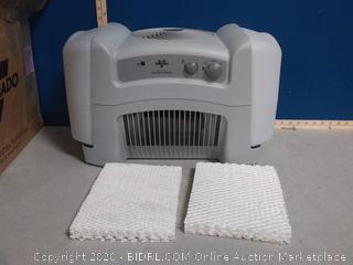 Vornado EVAP40 Evaporative Humidifier 4 Gallon(powers on) online $110