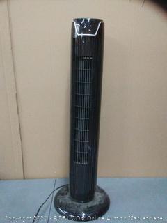pelonis oscillating fan (powers on)(used)