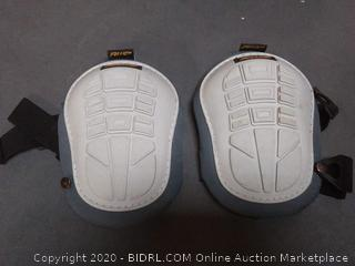 awp work knee pads (slightly used)(1 pad has broken button)