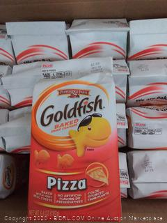 Pepperidge Farm goldfish baked snack crackers Pizza flavor 24pack expired 12/ 2019