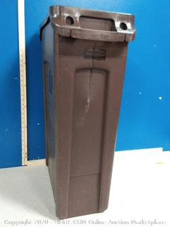 Rubbermaid Slim Jim Trash Can (Cracked)