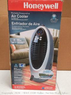 Honeywell 175-sq ft Portable Evaporative Cooler (300-CFM)( powers on)(Retails $189)