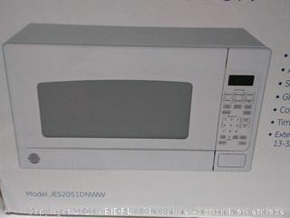 General Electric 2 cubic feet 1000 watt microwave oven(Factory sealed box)(Retails $180)