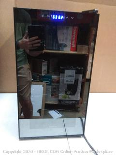 Innovations 18 bottle wine cellar Dual Zone IVFWCT181DB( powers on)( inside window cracked works great!)