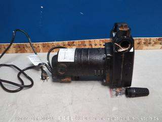 utilitech cast iron transfer pump 1/2 HP(powers on/previously owned)