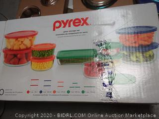 Pyrex glass storage set