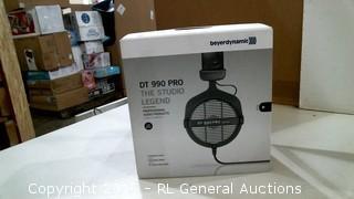 beyerdynamic DT 990 Pro The Studio Legend