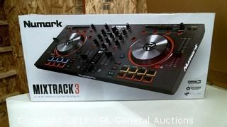Numark Mixtrack 3 Powers on Please Preview