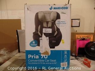 Pria Convertible car seat