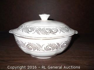 """Vintage Alfred Meakin England Lidded Dish  9"""" DIa X 5"""" T"""