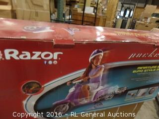 Razor Miniature Electric Euro Style Scooter Package Damaged New in Box