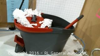 Easy wring Mop and bucket