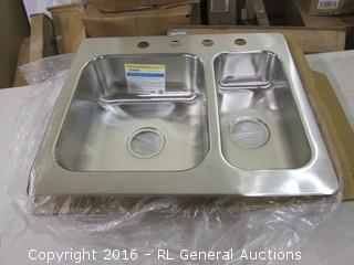 Moen Stainless Steel Sink / bent edge