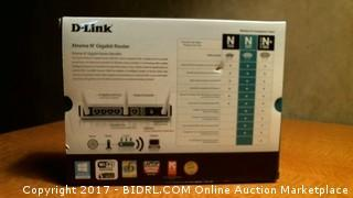 D-Link Xtreme N Gigabit Router - Powers On