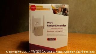 Wifi Range Extender AC1200 Dual Band - Powers On