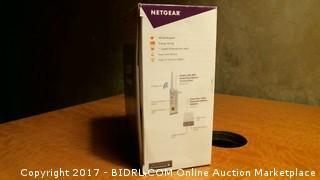 Netgear PowerLine Wifi - Powers On