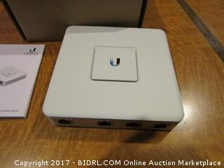UniFi Security Gateway Powers on Please Preview