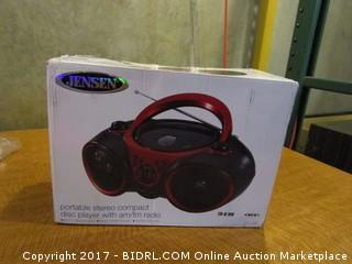 Jensen Portable Stereo Compact Disc Player with am/fm radio Powers on Please preview