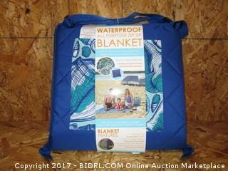 Waterproof All Purpose Zip Up Blanket