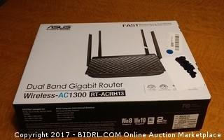 ASUS Dual Band Gigabit Router Please preview Powers on