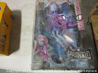 Monster High Action Figurine