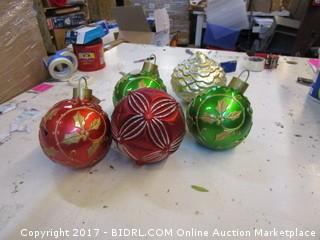 Lighted Christmas Decor please preview