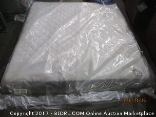Sealy King Mattress MSRP $920.00 Please Preview