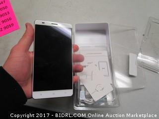 Posh Phone- Cracked Screen