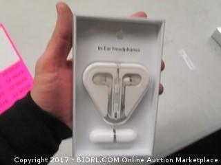 Apple In Ear Headphones with Remote and Mic ME186LL/A