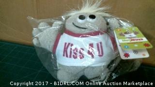 Kiss 4 Me