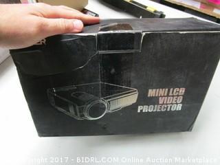 Tenker Mini LCD Video Projector