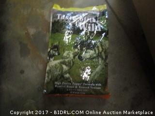 Taste of the Wild (High Prairie Puppy Formula w/ Roasted Bison & Roast Vinson) (Orange Bag)