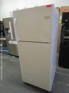 Frigidaire Refrigerator FFHT2131QP MSRP* $929 Powers on and Cools (Broken Handle) Please Preview